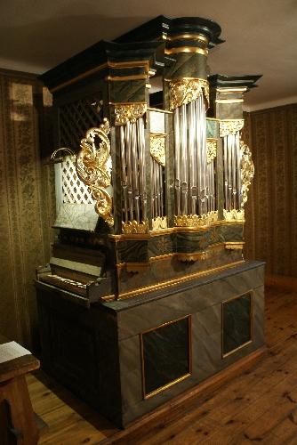 Organy pochodzące ze spalonego w 1939 r. kościółka p.w. Świętej Jadwigi w Pszczynie